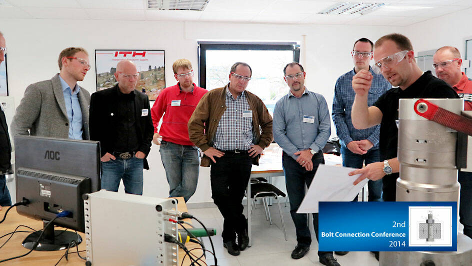 "During the practical part ""Hands on Tools"" the engineers gained an impression of the latest innovations"